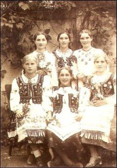 #Lemkos ukrainian woman costume