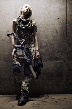 Girls and guns. Military Women, Military Fashion, Cyberpunk Girl, Female Soldier, Badass Women, Female Poses, Guns, Lady, Airsoft