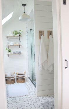 67 Incredible Modern Farmhouse Bathroom Tile Ideas 59