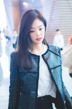 Black Pink Yes Please – BlackPink, the greatest Kpop girl group ever! Blackpink Jennie, G Dragon, Rapper, Pretty Korean Girls, Blackpink Photos, Blackpink Fashion, Blackpink Jisoo, Korean Celebrities, Female Singers