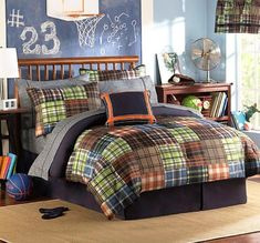 Plaid Bedding Sets Look Distinguished! I love stripes and I love plaid, and this plaid bedding is perfect for any bedroom in which you want a touch of masculinity. Teen boys and young boys are perfect candidates for plaid bedding sets, but you can a