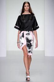 Jean-Pierre Braganza -  Pasarela London Fashion Week S/S 2014