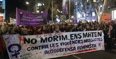 Miles de personas se movilizan contra la violencia de género en toda España