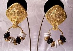 White Black Clip On Earrings Gold Tone Vintage Satin Hoops Ring Large Imprinted