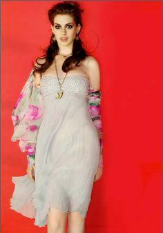 Энн Хэтэуэй (Anne Hathaway) в фотосессии Жиля Бенсимона (Gilles Bensimon) (2004), фотография 1