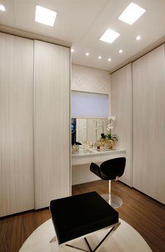 65 Ideas Small Closet Office Diy Vanities For 2019 House Styles, Bedroom Design, Bedroom Closet Design, Home Decor, Small Bedroom, House Interior, Room Design, Room Decor, Closet Clothes Storage