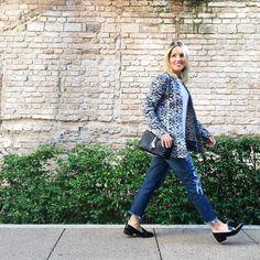 Bom dia... Já na correria porque hoje é sábado mas é dia de curso #resetyourselfie {} Na foto o meu lookito de ontem jeans destroied @mgfmoda blusa e shoes @zara e casaco {deuso #inlove} da @moboficial #chriscastro #lookdodia #ootd #lookoftheday #instaglam #instagood #picoftheday #dujour #galery #instalook #amicasbloggers