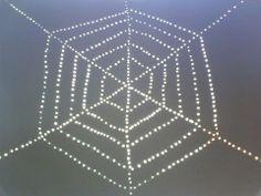 spinnenweb met wattenstokjes
