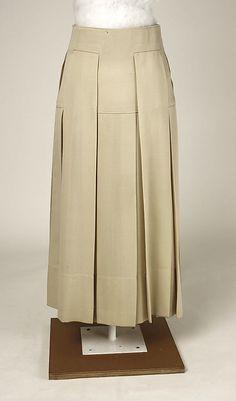 Skirt Date: 1915 Culture: American Medium: wool