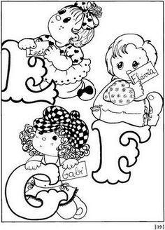 Alfabeto com bonecas para pintar em fraldas, toalhas de banho, jogos de berço etc