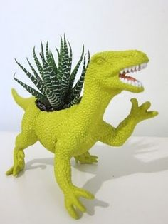 Some great upcycled planter ideas here. Roar!