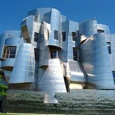 Another Frank Gehry masterwork! Weisman Art Museum was constructed with #brickfacade and sandstone. Fabricated with stainless steel, this modern museum hosts a lot of art exhibitions and impressive art collections.