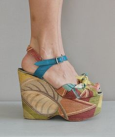 Fabulous vintage 1940's wedge sandals