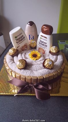 Towel Cake - Cake # Packaging - Larissa Hill - Money Gifts G . Diy Birthday, Birthday Gifts, Birthday Money, Birthday Basket, Birthday Ideas, Craft Gifts, Diy Gifts, Don D'argent, Mother's Day Gift Baskets