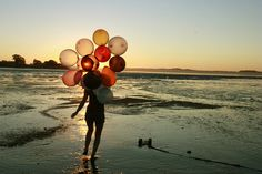 balloons! and the beach!