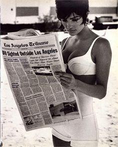 Vogue Italia, marzo 1990  Top e shorts di Azzedine Alaïa Photo by Peter Lindbergh