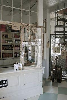 Méchant Design: recycled windows