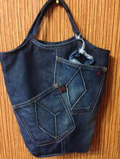 Jean Crafts, Denim Crafts, Denim Bag, Denim Outfit, Sacs Tote Bags, Reuse Clothes, Denim Handbags, Denim Ideas, Recycle Jeans