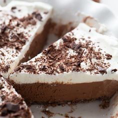 Keto Chocolate Cream Pie Keto Chocolate Mousse, Chocolate Pie Recipes, Low Carb Chocolate, Chocolate Shavings, Sugar Free Chocolate, Chocolate Desserts, Chocolate Cream, Keto Whipped Cream, Homemade Whipped Cream