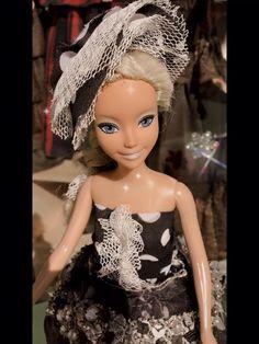 Elsa, Disney Characters, Fictional Characters, Disney Princess, Fantasy Characters, Disney Princesses, Disney Princes