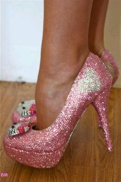 hello kitty heels... I know my friend Daniela would love these!