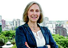 Margarita Gutman is an urban historian and architect who researches, teaches on, and conducts public events both in New York and Buenos Aires about Latin America cities.