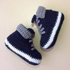 Baby Knitting Pattern Picture result for baby shoes crochet instruction for free Baby Shoes Pattern, Crochet Baby Booties, Crochet Shoes, Headband Crochet, Knitted Baby, Crochet Clothes, Baby Knitting Patterns, Baby Patterns, Crochet Patterns
