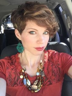 Textured asymmetric pixie cut. Curly pixie hair. DYT type 3 shirt, hair, necklace, and earrings.