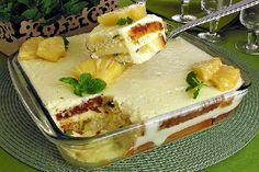 O Pavê Mousse de Abacaxi é prático, delicioso e vai agradar toda a família. Experimente! Veja Também:Pavê de Sonho de Valsa Veja Também:Pavê de Chocolate