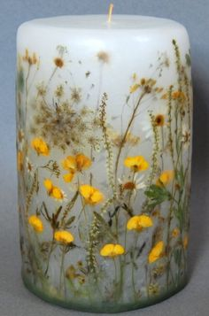 Making candles is a great hobby or business endeavor. For those who have the basics down cold, consider experimenting with the art of making hand dipped candles. Best Candles, Diy Candles, Scented Candles, Pillar Candles, Bougie Candle, Candle Art, Candlemaking, Homemade Candles, Dried Flowers