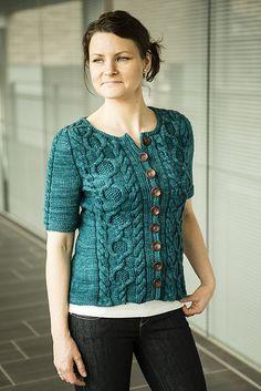Ravelry: Tavie pattern by Meiju K-P