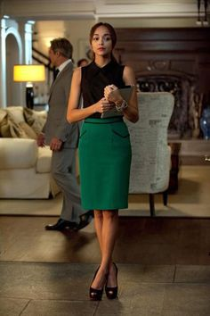 The actress, who plays Ashley Davenport, a social climbing publicist on the scandalous ABC hit, is always spot-on when it comes to her professional-yet-trendy style. If you ever need office outfit inspiration, she's your girl. Business Outfits, Office Outfits, Business Fashion, Green Skirt Outfits, Pencil Skirt Outfits, Work Fashion, Fashion Outfits, Women's Fashion, Green Pencil Skirts