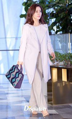 Nữ chính Giày thủy tinh Kim Hyun Joo khoe vẻ trẻ trung xinh đẹp ở tuổi 38 - Ảnh 1.