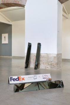 Artist Walead Beshty Shipped Glass Boxes Inside FedEx Boxes to Produce Shattered Sculptures | Colossal