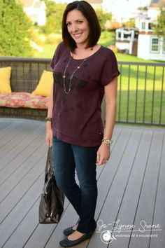 LOVING this french terry short sleeved sweatshirt by Rock & Republic for @kohls - perfect for casual fall days! #momstyle #fallfashion