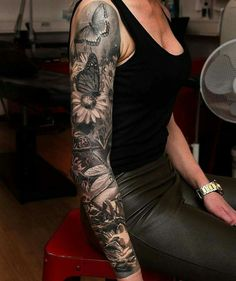 Continue sleeve with a flower and dragonfly