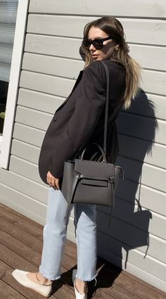 Celine belt bag in gray, Zara blazer and jil sander flats Celine Belt Bag Mini, Celine Trapeze Bag, Celine Mini Luggage, Stylish Winter Outfits, Casual Work Outfits, Winter Fashion Outfits, Pijamas Women, Urban Style Outfits, Zara Bags