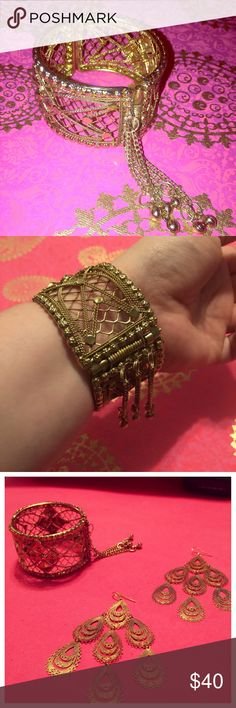 "⭐️⭐️Super Unique Artisan Cuff Bracelet ⭐️⭐️ New Without Tags- this very unique cuff bracelet will have all your friends asking, ""OMG! Where did you get that?"" It's one of those pieces that can be worn w/ a pair of jeans or a night on the town🎆 check out the earrings that make a perfect set. Thanks for looking 💟 All reasonable offers considered, so make me an offer!! Jewelry Bracelets"