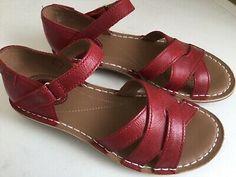 Women's clarks sandals size U. High Wedges, Black Wedges, Leather Heels, Black Leather, Japanese Couple, Clarks Sandals, Court Heels, Mary Jane Heels, Uk 5