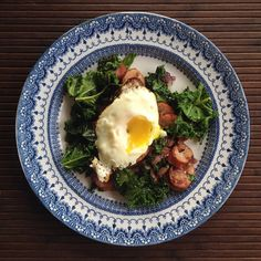 @la__char - Breakfast Edition: Sautéed red onions, TJ's chicken apple sausage, kale and a fried egg. I love when I have time to make a good breakfast :)