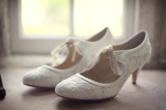 Google Image Result for http://thenaturalweddingcompany.co.uk/blog/wp-content/uploads/2011/11/our_rustic_country_wedding_vintage_inspired_shoes.jpg