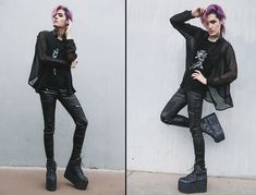 Giveaway on my instagram! Follow me there to join! Facebook: facebook.com/KyrisArt Instagram: @kyriskat ~Newest Blog: http://kyriskat.blogspot.com/2017/09/glitter-galactic-space-grunge.html #goth #punk #kawaii #androgynous #purplehair #anime #Platforms #allblack