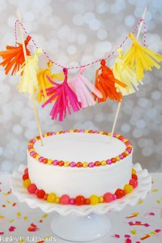 Mini Tissue Tassel Garland Cake Topper - made with colored tissue paper & baker's twine (red/white) Bolo Diy, Cake Banner, Tassel Garland, Partys, Diy Cake, How To Make Cake, Diy Party, Party Ideas, Cupcake Cakes