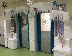 Frozen classroom door with School Door Decorations, Christmas Door Decorations, Christmas Hallway, Christmas Centerpieces, Frozen Classroom, Winter Wonderland Decorations, Winter Decorations, School Doors, Room Mom