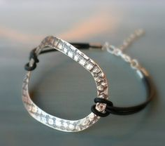 Leather wrap sterling silver bracelet van mariastudio op Etsy, €40.00