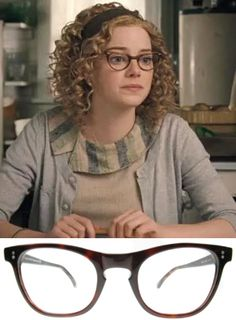 Emma Stone as Skeeter Phelan - If I was to ever get a pair of glasses for fun I think these would be them... I can't believe I just said that. @Micaiah Thomas