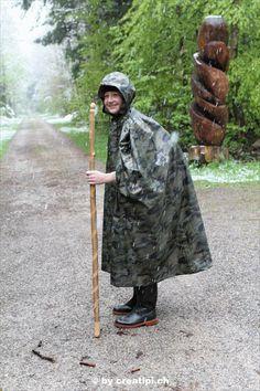Huddelwetter kann ihm nichts anhaben Rain Cape, Raincoat, Outdoor Blanket, North America, Youth, Rain Jacket, Native Americans, Outdoor Camping