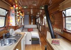 Page: - With rent prices in cities sky-rocketing, more people are choosing to live in house boats or canal boats. It's a whole new movement toward 'tiny living' where people are downsizing and.