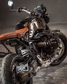 Moto Ride iD Toulouse Scrambler Motorcycle, Motorcycle Clubs, Bmw Motorcycles, Motorcycle Design, Custom Motorcycles, Motorcycle Adventure, Retro Bikes, Bmw Cafe Racer, Bobbers