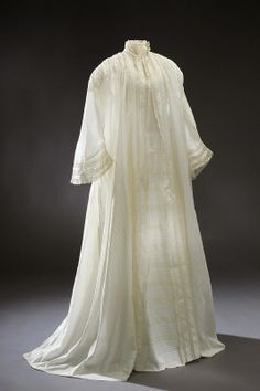 1850 morning dress, known as a negligee 1850s Fashion, Victorian Fashion, Vintage Fashion, Antique Clothing, Historical Clothing, Historical Dress, Historical Costume, Vintage Outfits, Vintage Dresses